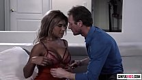 Big booty cougar Mercedes Carrera spreads legs for a crazy fucking with Ryan Mclane