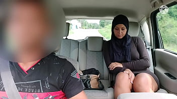 Depressed an unfaithful Muslim wife as the side of the road .... Taximan