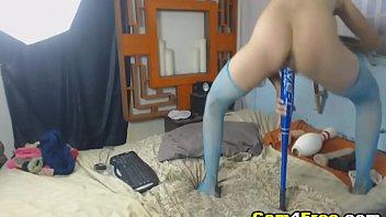 Nena follandose su coño en Vpornlive.com